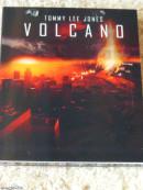 [Review] Volcano – Limited Digipack (+ Lentikularkarte)