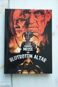 [Fotos] Schwarze Messe auf blutrotem Altar (Die Hexe des Grafen Dracula) – Mediabook Cover A und C